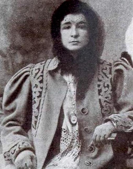 Enriqueta Martí, la vampira del carrer ponent Enriquetamarti_revista