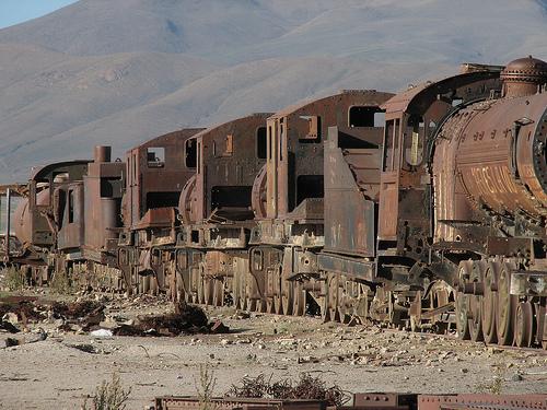 Cementerios de trenes, aviones y barcos + info