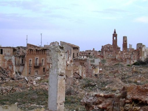 800px-belchite_-_vista_general01