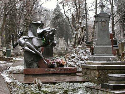el-cementerio-de-lychakivskiy-65_b