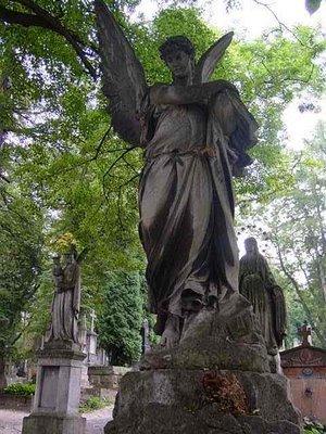 el-cementerio-de-lychakivskiy-_11