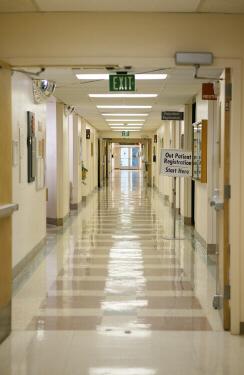 pasillo-en-el-hospital