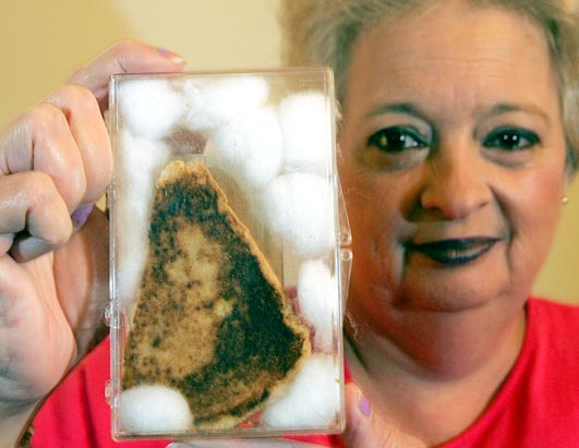 pareidolia virgen en un sandwich
