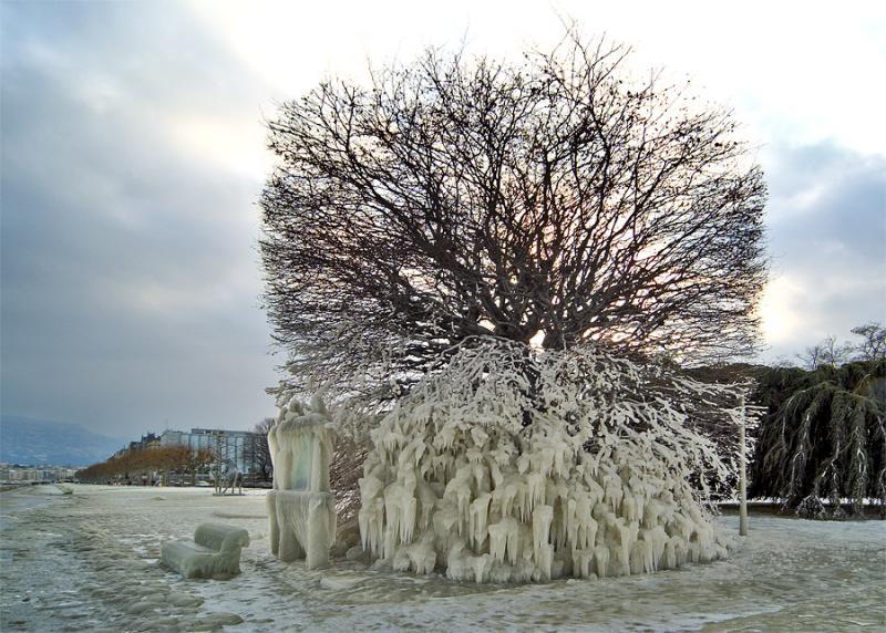 external image ice_storm_over_geneva.jpg