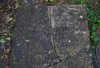 tumba antigua marx