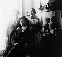 Manuel Agustín Heredia y su familia