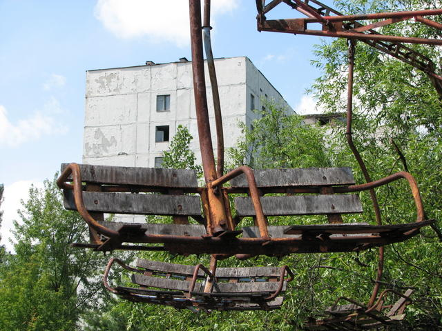 chernobyl_pripyat_amusement_park_ride_6