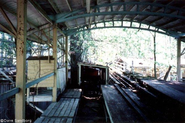 estacion_abandonada