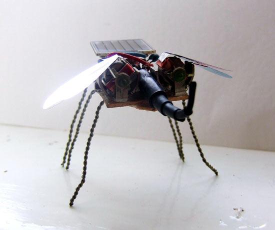 mosca-robot