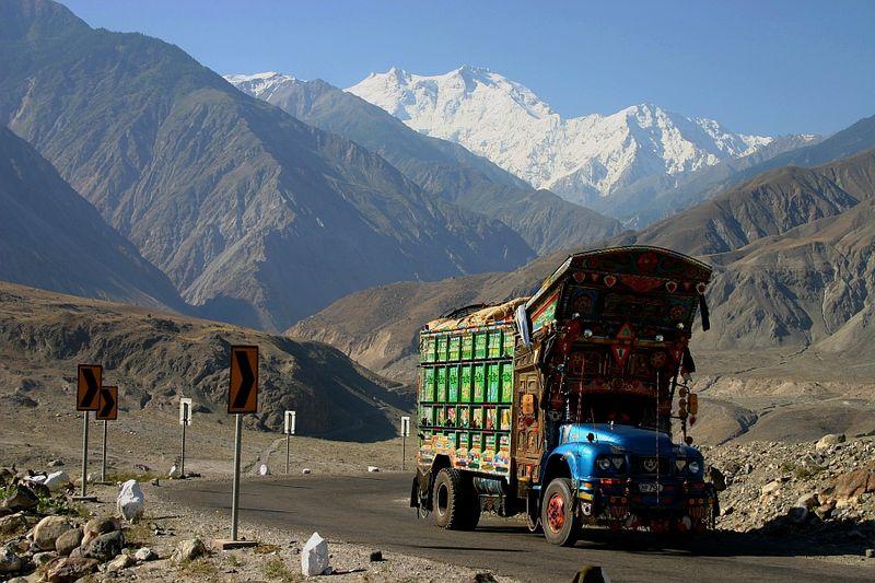 800px-Karakorum_Highway_%28KKH%29_Nanga_Parbat