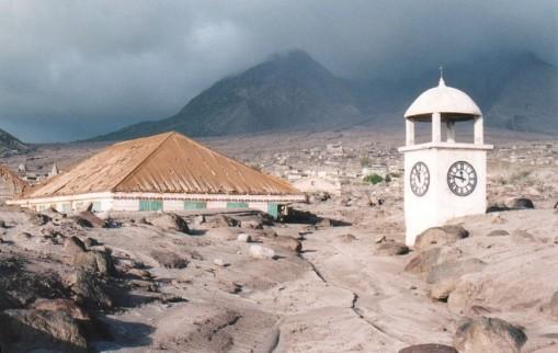 LUGARES ABANDONADOS-LUGARES OLVIDADOS (sitios fantasma en el mundo) Montserrat-plymouth-1997