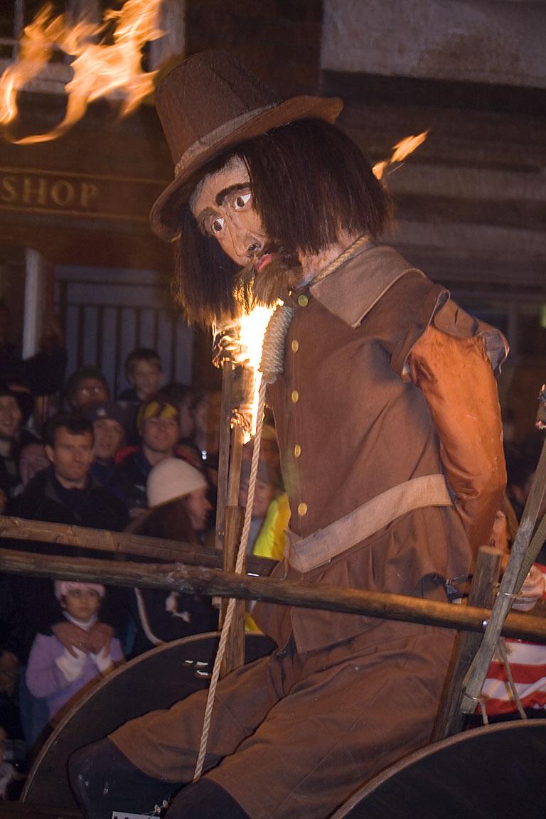 Lewes_Bonfire,_Guy_Fawkes_effigy