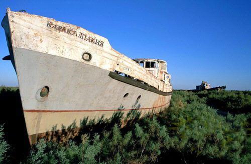 mar-aral-barcos-abandonados-04