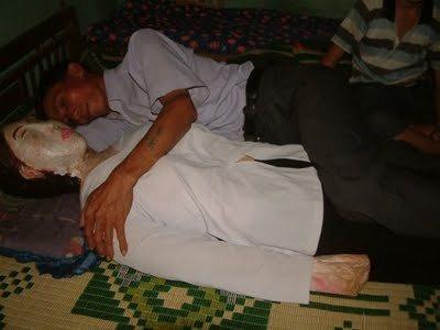 Cinco años durmiendo con su esposa… muerta