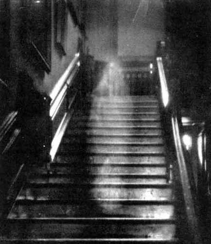 La dama marrón. El fantasma más famoso de la historia.