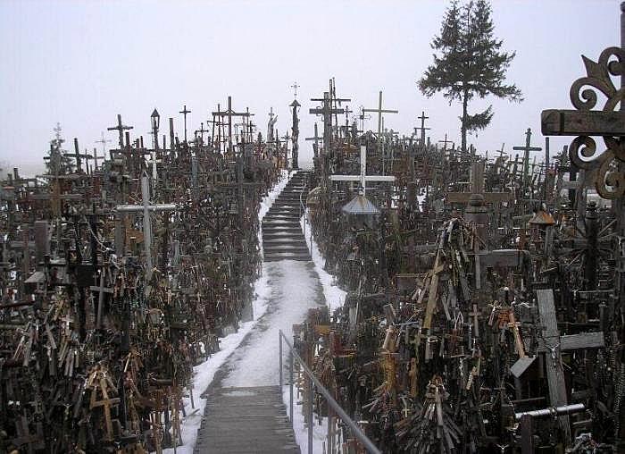 Lugares insólitos. La colina de las cruces de Lituania.