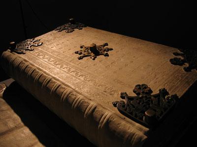 Libro Bolso Devils-bible-codex-gigas