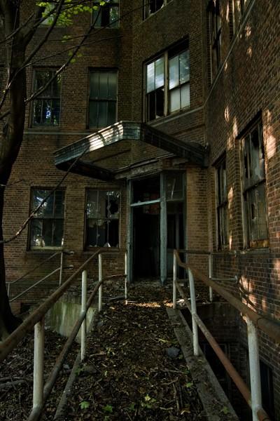 LUGARES ABANDONADOS-LUGARES OLVIDADOS (sitios fantasma en el mundo) Edificios-decadentes