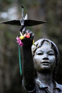 Trilogía sobre Hiroshima (III): Grullas y  esperanza.