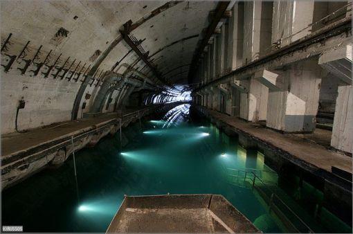 Base de subamrinos Rusa abandonada Base-submarinos-abandonada