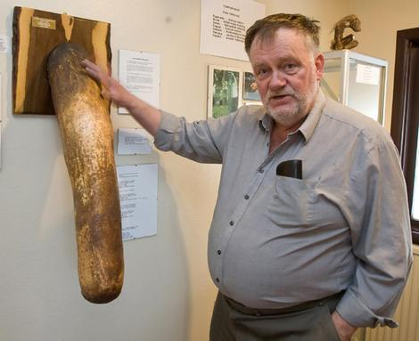 Sigurdur Hjartarson, afición: coleccionista de penes.