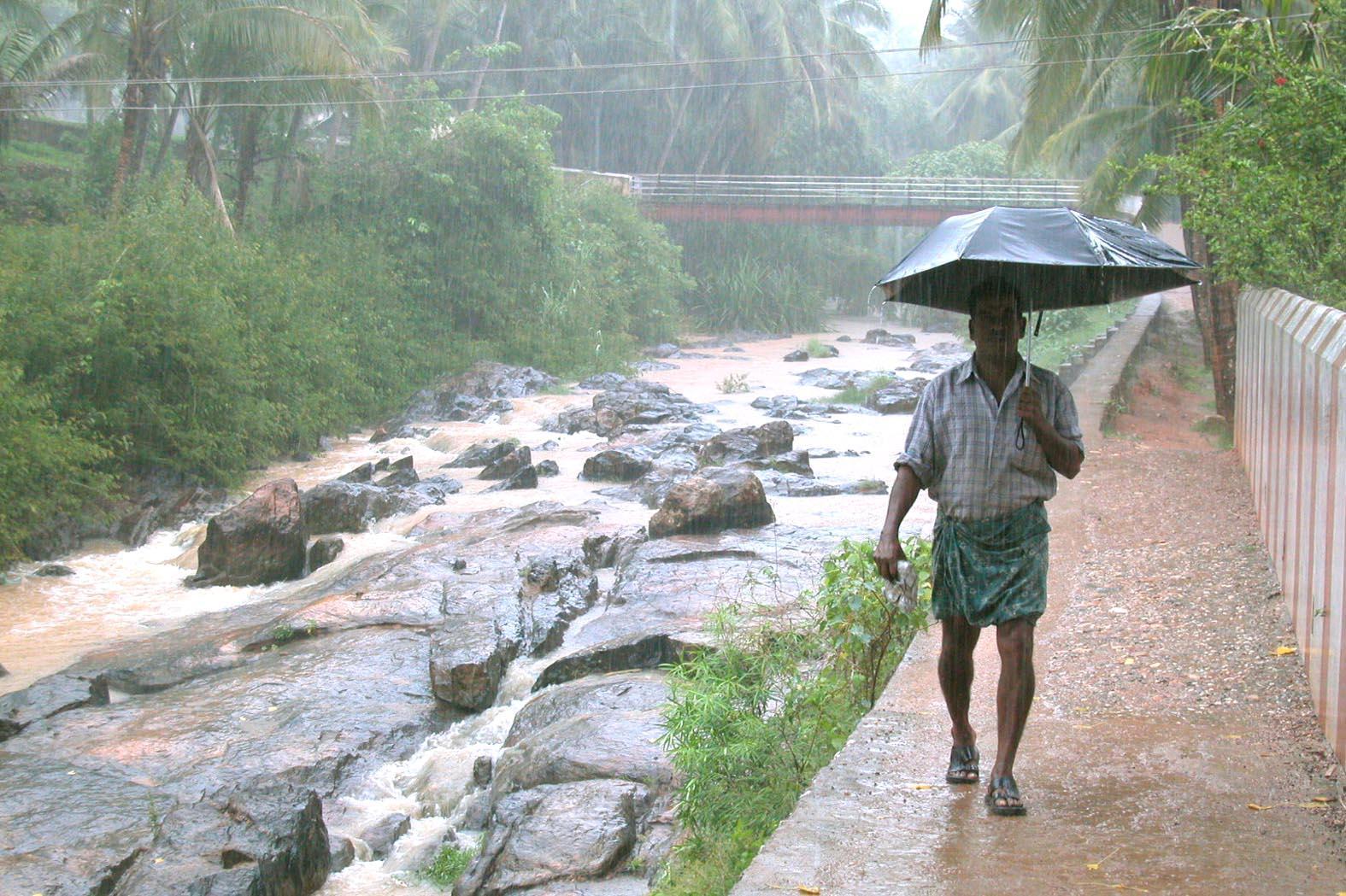 Continúa el misterio de la lluvia roja de Kerala