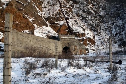 Base de subamrinos Rusa abandonada Russian-submarines-base-20