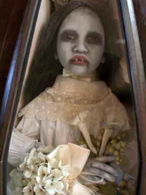 Aterradoras muñecas VAMPIRO Vampiros_clasicos