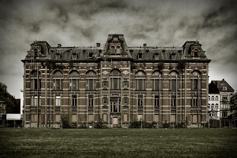 Escuela de veterinaria abandonada, el museo del terror