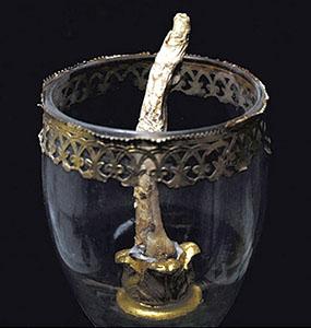 Partes del cuerpo de famosos ;D 1ra parte D: Galileo-finger