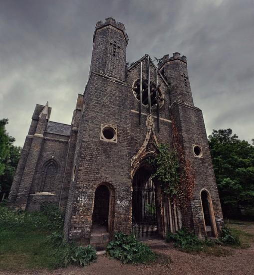 Cementerio de Abney Park, otro mundo en el centro de Londres. Iglesia-abandonada