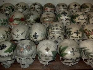 Karner Beinhaus, la casa de los huesos.