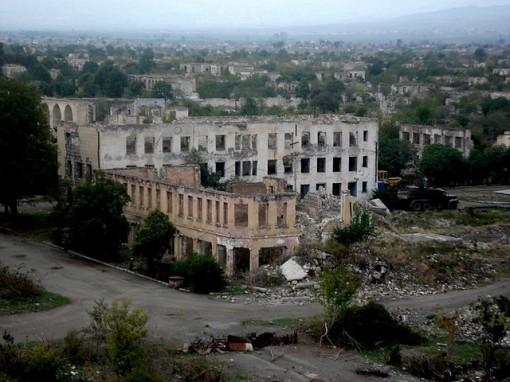 Agdam, las cicatrices de la guerra. Ciudades-fantasma
