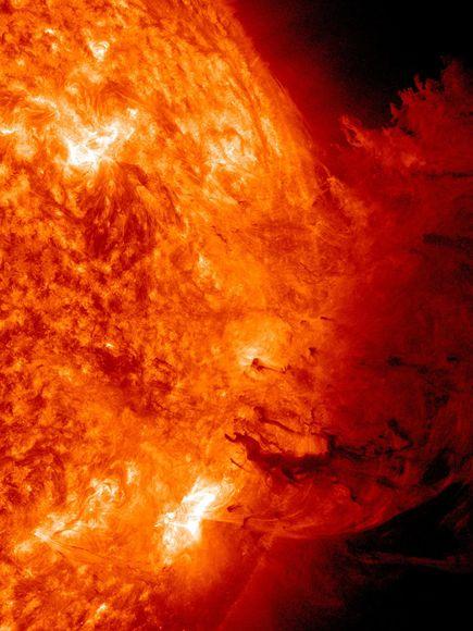 La primera tormenta solar del 2011.