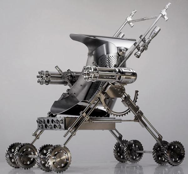 Los complementos infantiles que terminator y robocop hubiesen deseado de pequeños.