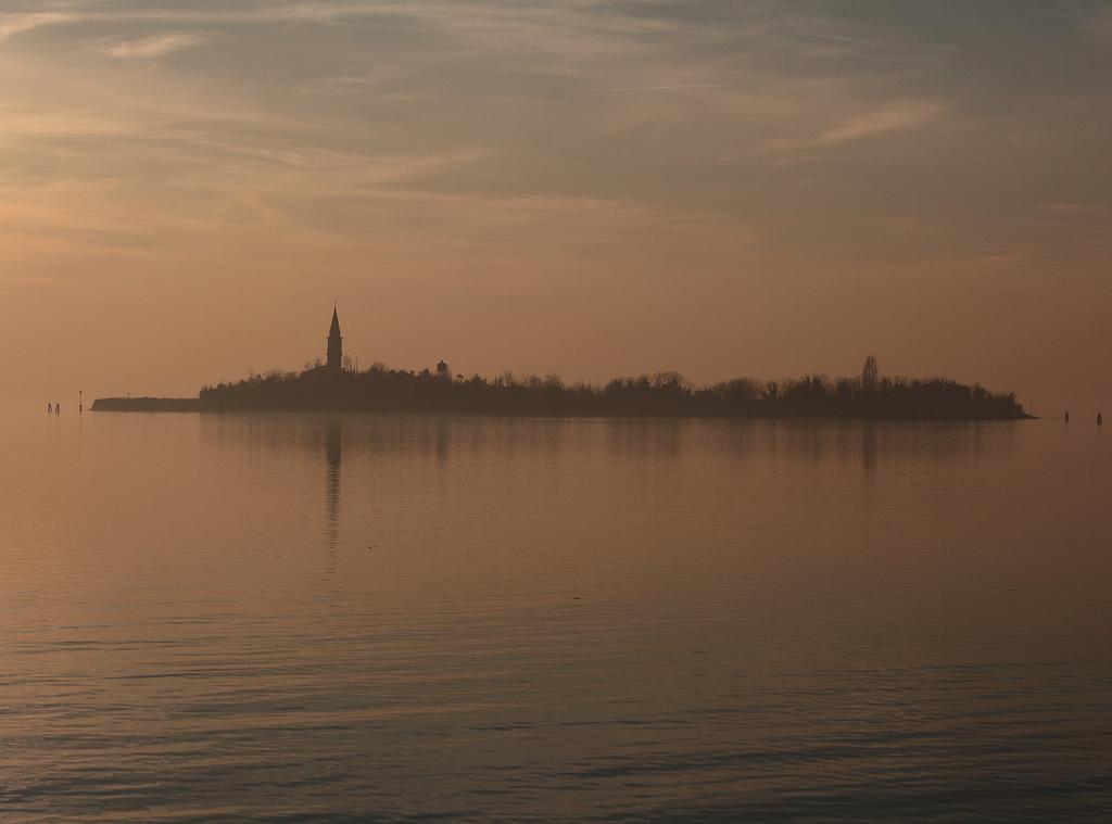 Poveglia: la isla de los muertos veneciana.