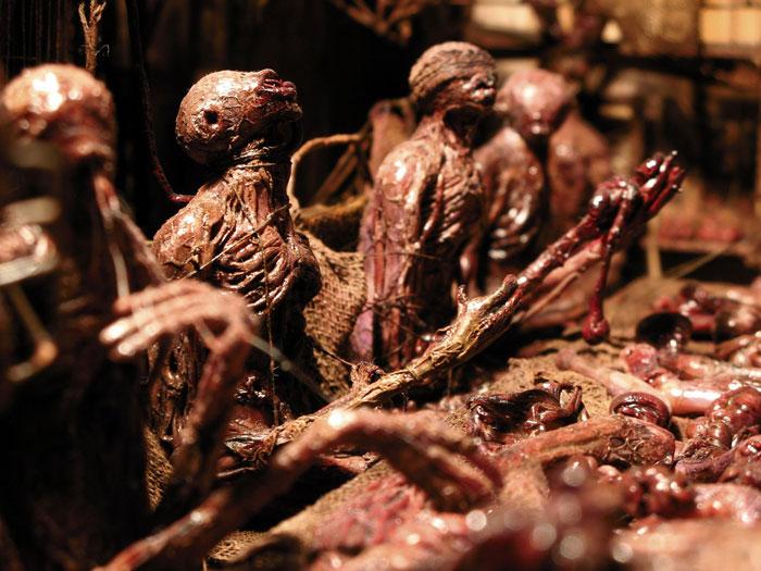 Los infernales dioramas de Mark Powell